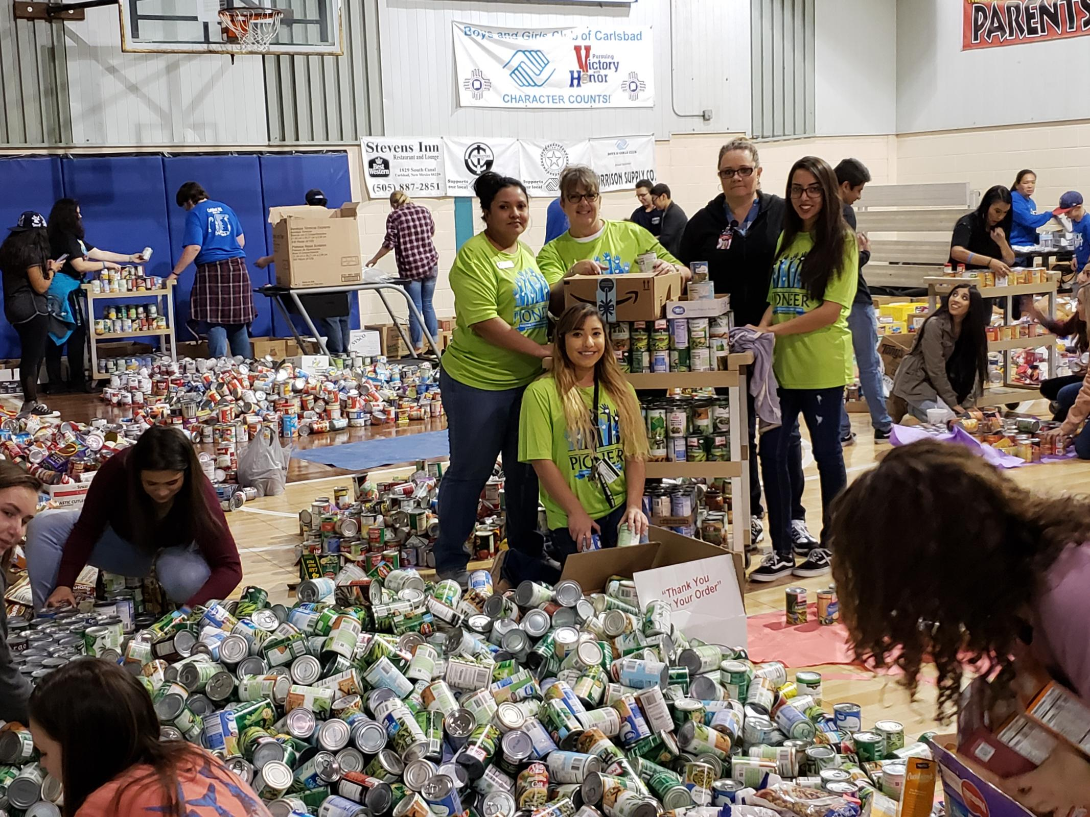Food Donation with Volunteers